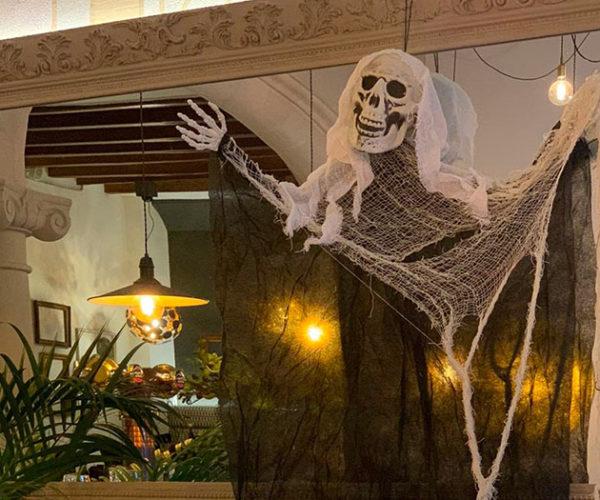 ¡Pásalo de miedo! Ya es Halloween en La Casona.